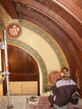 Restaurierung der Deckenbemalung des historischen Kreissaals